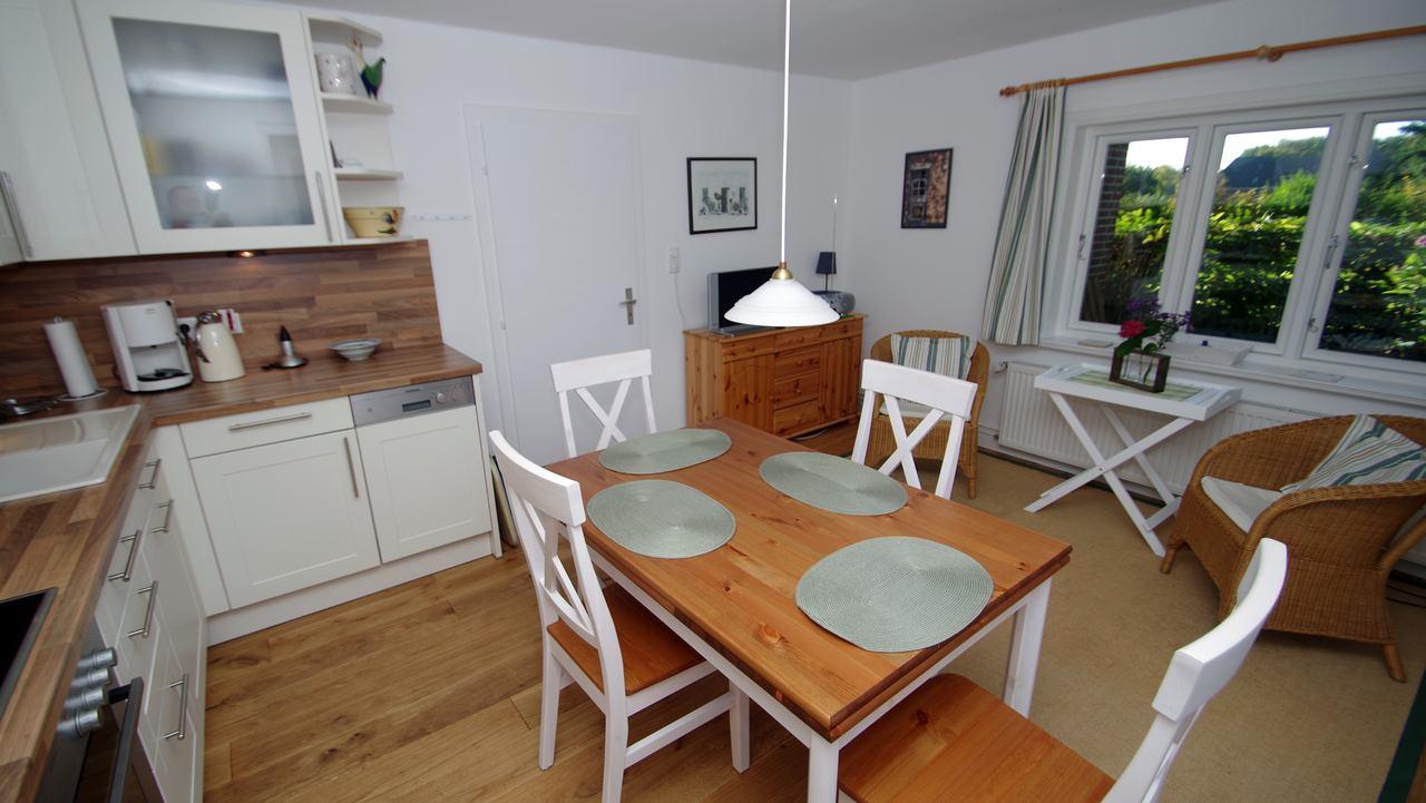 wohnk che ferienhaus wyk f hr. Black Bedroom Furniture Sets. Home Design Ideas